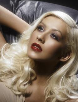 Christina Aguilera: Ảnh đẹp mà không có chỗ đăng! - 4