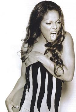 Janet Jackson: Sự đối lập hấp dẫn - 6
