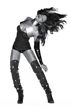 Janet Jackson: Sự đối lập hấp dẫn - 3