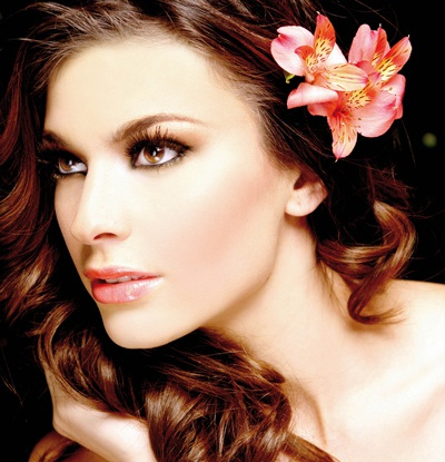 Ảnh đẹp của tân Hoa hậu Quốc tế - 6