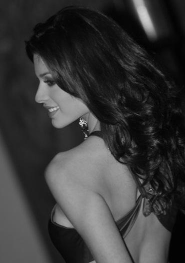 Ảnh đẹp của tân Hoa hậu Quốc tế - 2