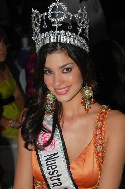 Ảnh đẹp của tân Hoa hậu Quốc tế - 15