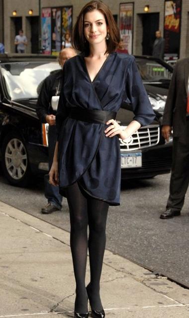 """Chi 12.000 đô la để """"hẹn hò"""" với Anne Hathaway - 1"""