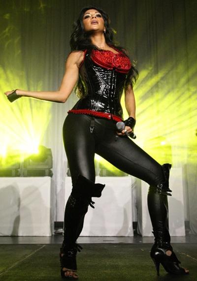 """Xem những màn trình diễn """"rực lửa"""" của Nicole Scherzinger - 8"""