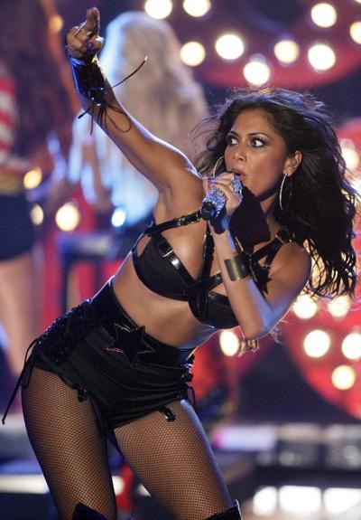 """Xem những màn trình diễn """"rực lửa"""" của Nicole Scherzinger - 7"""