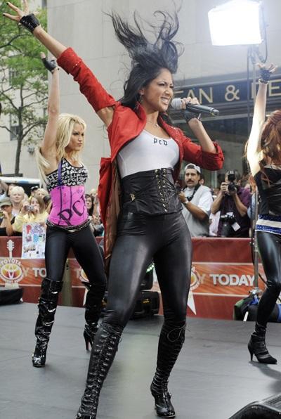 """Xem những màn trình diễn """"rực lửa"""" của Nicole Scherzinger - 2"""