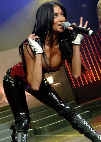 """Xem những màn trình diễn """"rực lửa"""" của Nicole Scherzinger - 1"""