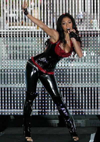 """Xem những màn trình diễn """"rực lửa"""" của Nicole Scherzinger - 12"""