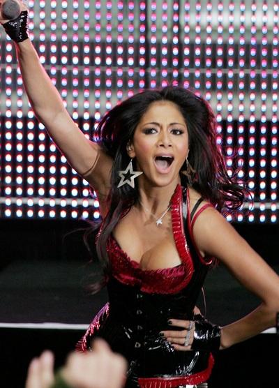 """Xem những màn trình diễn """"rực lửa"""" của Nicole Scherzinger - 11"""