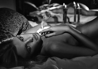 Vogue Pháp ưu ái chân dài Lara Stone - 2