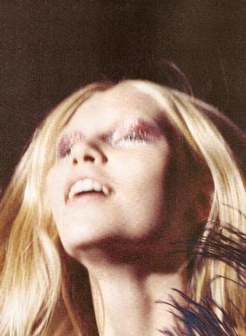 Aline Weber - Vẻ đẹp Brazil duyên dáng lạ kỳ - 1