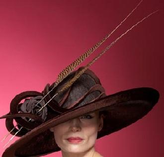 Những chiếc mũ ấn tượng của Philip Treacy - 7