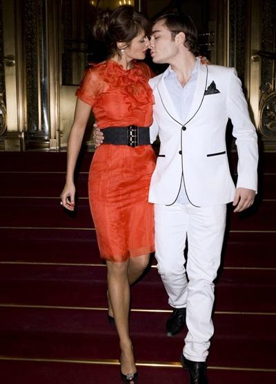 Siêu mẫu Helena Christensen quấn quít bên người trẻ - 1