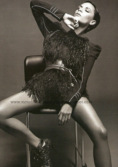 Victoria Beckham ấn tượng trên Vogue - 5