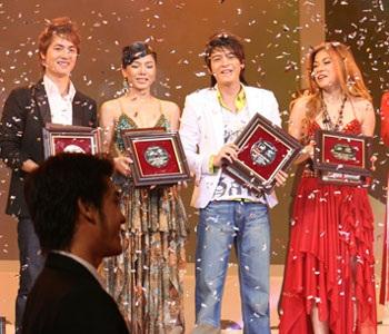 """10 ca sỹ đoạt giải thưởng """"Ngôi sao Bạch Kim"""" lần thứ 2 - 7"""