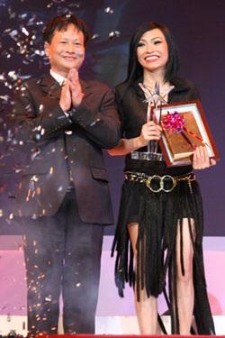 """10 ca sỹ đoạt giải thưởng """"Ngôi sao Bạch Kim"""" lần thứ 2 - 6"""