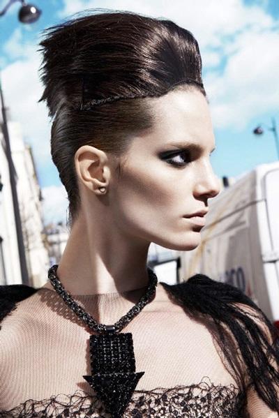 Iris Strubegger - chân dung một siêu mẫu cá tính - 1