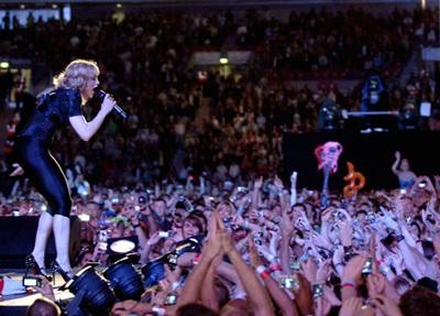 Madonna và hợp đồng 120 triệu đô la! - 1