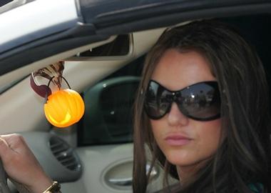 """Album mới của Britney không """"đắt hàng"""" như mong muốn - 2"""