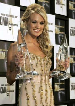 Carrie Underwood thắng lớn tại lễ trao giải Country Music Association - 1