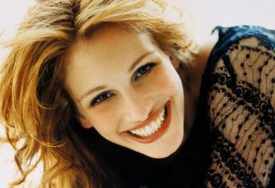 """Julia Roberts muốn được """"trông nom"""" Britney - 1"""