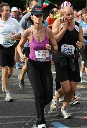 Katie Holmes chạy marathon! - 3