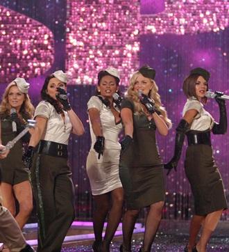 "Bé Suri Cruise cũng ""kết"" Spice Girls - 2"