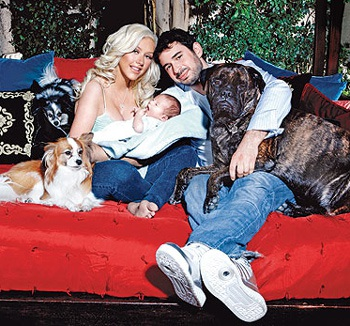 Ngắm bé trai của Christina Aguilera - 6