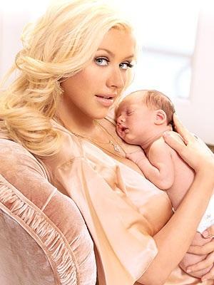 Ngắm bé trai của Christina Aguilera - 1