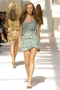 BST xuân - hè 2007 của Alberta Ferretti: - 18