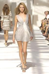 BST xuân - hè 2007 của Alberta Ferretti: - 14