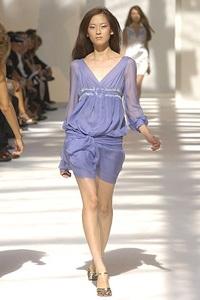 BST xuân - hè 2007 của Alberta Ferretti: - 7