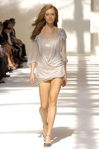 BST xuân - hè 2007 của Alberta Ferretti: - 2