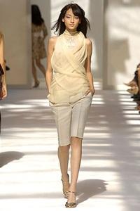 BST xuân - hè 2007 của Alberta Ferretti: - 22