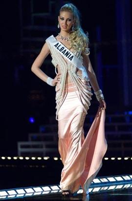 Những chiếc váy dạ hội đẹp nhất cuộc thi hoa hậu hoàn vũ - 1