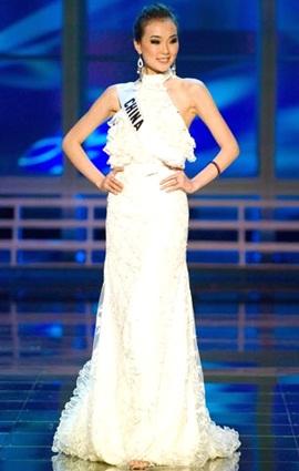 Những chiếc váy dạ hội đẹp nhất cuộc thi hoa hậu hoàn vũ - 2