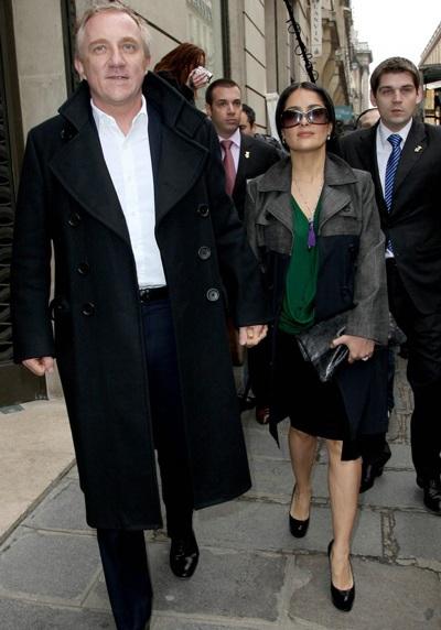 """Salma Hayek: """"Chồng là stylist của tôi"""" - 1"""