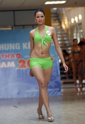 Ngắm người đẹp thể thao trong trang phục bikini - 13
