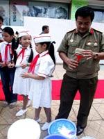 Tô màu bức tranh dài nhất Việt Nam - 7