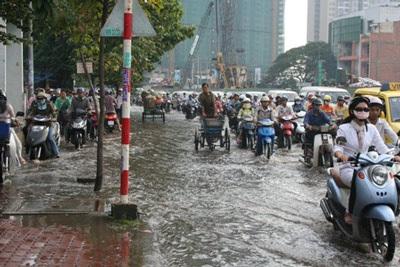 """TPHCM: Đường bê tông thành sông """"nước cống"""" - 2"""
