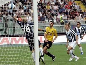 """Juventus """"vùi dập"""" Modena không thương tiếc - 1"""