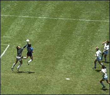 """Maradona: """"ĐT Anh sẽ vô địch World Cup 2006"""" - 1"""