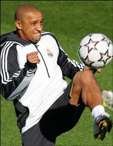 "Real Madrid mua ""Roberto Carlos mới"" - 1"