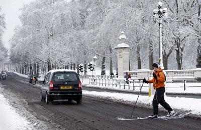 Giao thông nước Anh trong bão tuyết - 15