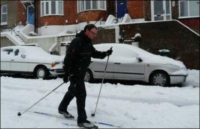 Giao thông nước Anh trong bão tuyết - 16