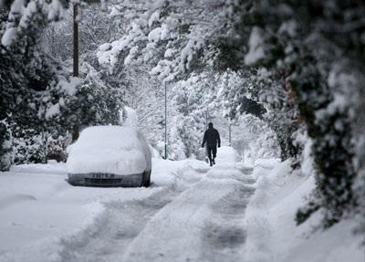 Giao thông nước Anh trong bão tuyết - 2