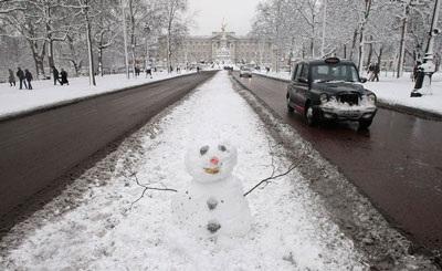 Giao thông nước Anh trong bão tuyết - 17