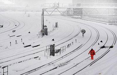 Giao thông nước Anh trong bão tuyết - 7