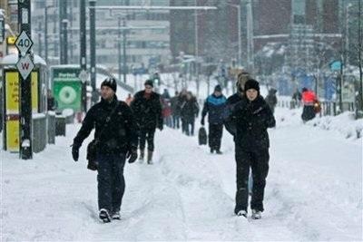 Giao thông nước Anh trong bão tuyết - 3
