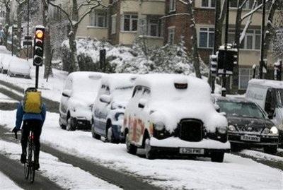 Giao thông nước Anh trong bão tuyết - 14